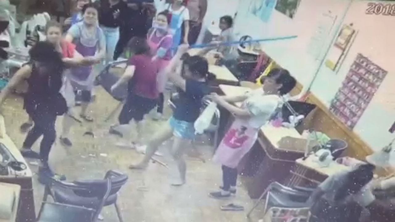 Brooklyn Nail Salon Workers Beats Customer with a